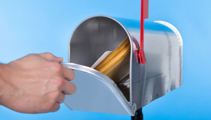 How to Create an Effective Postcard Mailing Campaign
